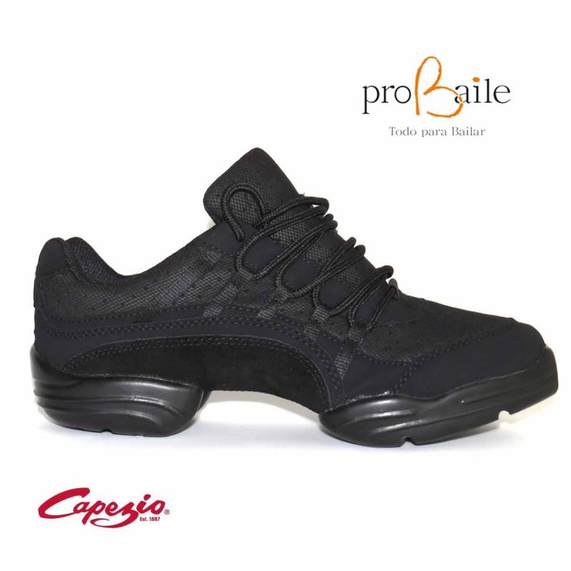 c7061cd4 Sneakers de baile latino. Zapatillas de baile para ensayar salsa.