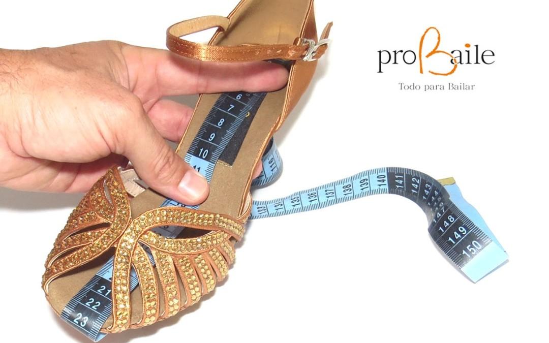 Como medir y elegir la talla de tus zapatos de baile